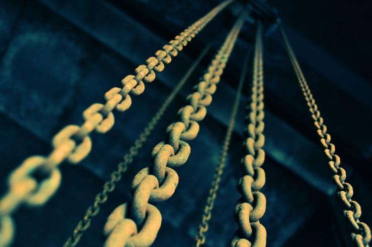 chains-919058_960_720